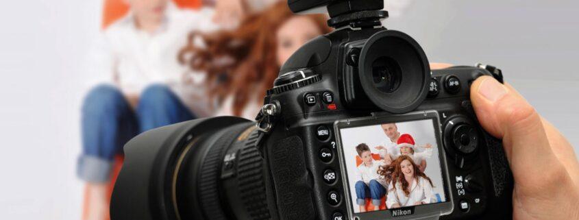 FAST SHOTS, s.r.o. profesionální pražský fotograf s vizážistkou profi fotostudio profesionální fotoateliér Praha