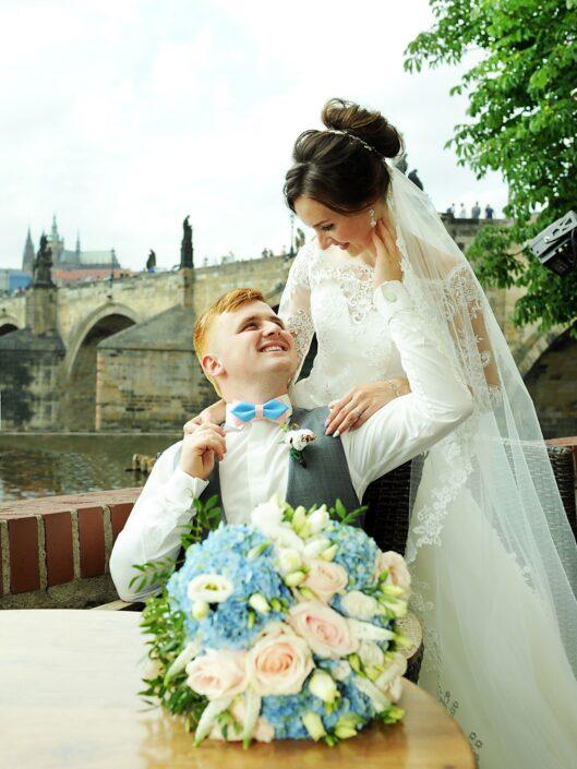 Svatební fotografie u Karlova mostu Praha svatební fotograf