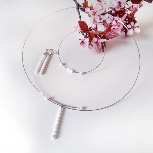Souprava šperků Sněhurka Design © Copyright Jiřina Georgina Chrtková FAST SHOTS, s.r.o.